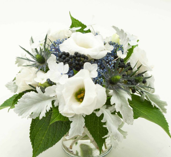 the artworks, yeg flowers, delivery, lisianthus, hydrangea, dusty miller, sea holly